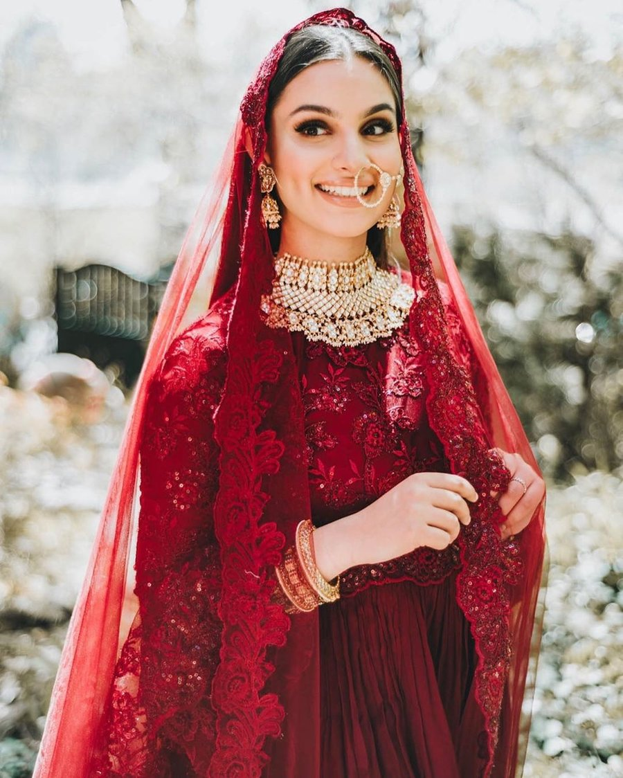 Best Jewellery Options To Match With Your Red Bridal