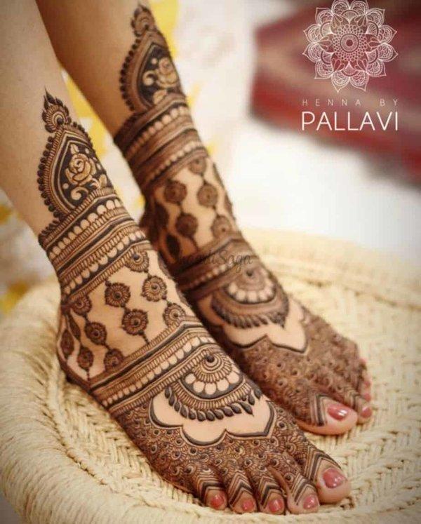 stylish leg mehndi design
