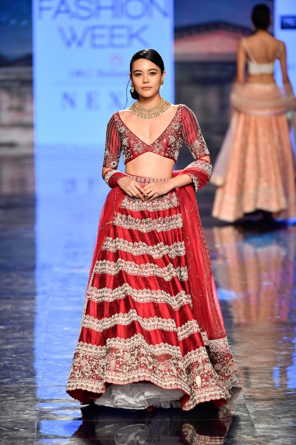 Top 51 Engagement Dresses For Bride To Be Trending To Latest Ones Included Shaadisaga