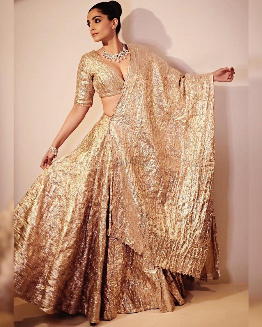 Latest Wedding Outfit Inspiration From Fashionista Sonam Kapoor ...