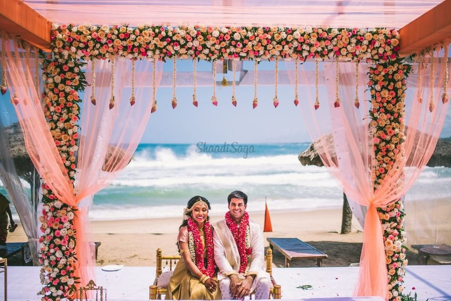 25 Latest Beach Wedding Decor Ideas For Your Upcoming Wedding Day Shaadisaga